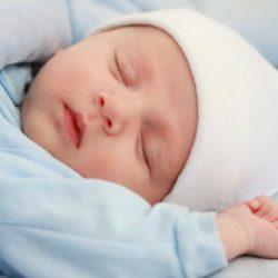 Aprenda la Oración para dormir a mi bebé bajo la sombra del altísimo, aquí